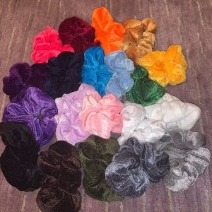Accessories - Collection of 20 scrunchies!